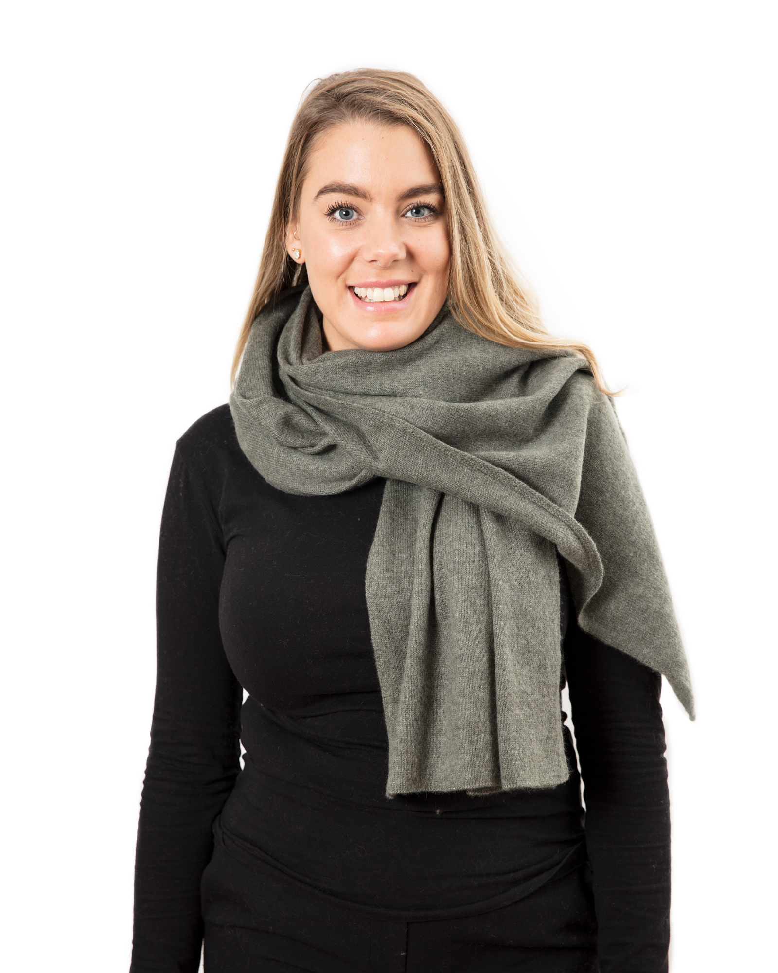 Lisa Yang Stor sjal Army Green 100% Cashmere - DAYSTYLE 27161a4433a01